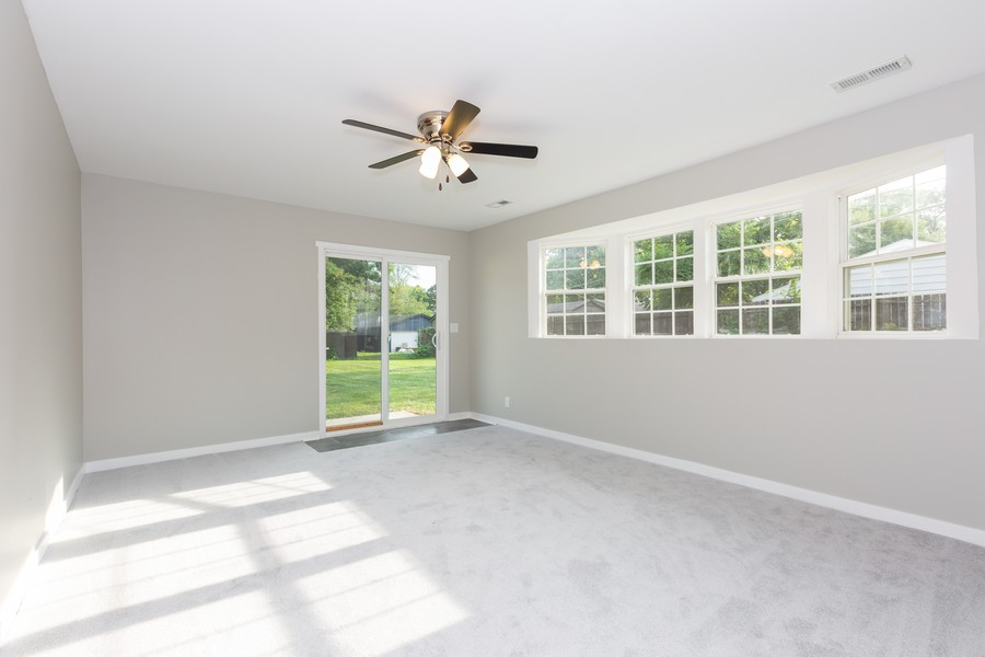 Real Estate Photography - 405 Bass Street, Wilmington, IL, 60481 - Family Room