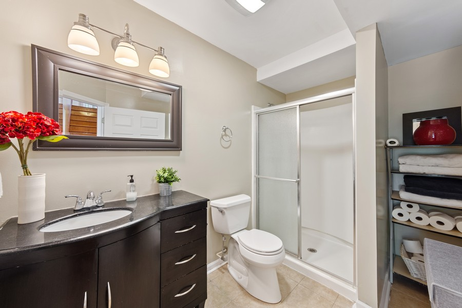 Real Estate Photography - 211 Buckingham Ct, Grayslake, IL, 60048 - 3rd Bathroom