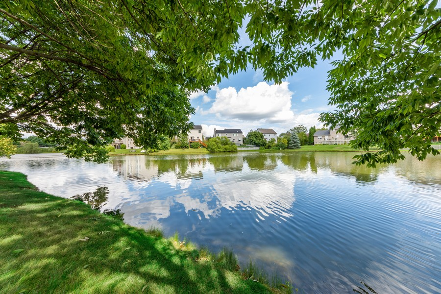 Real Estate Photography - 211 Buckingham Ct, Grayslake, IL, 60048 - View
