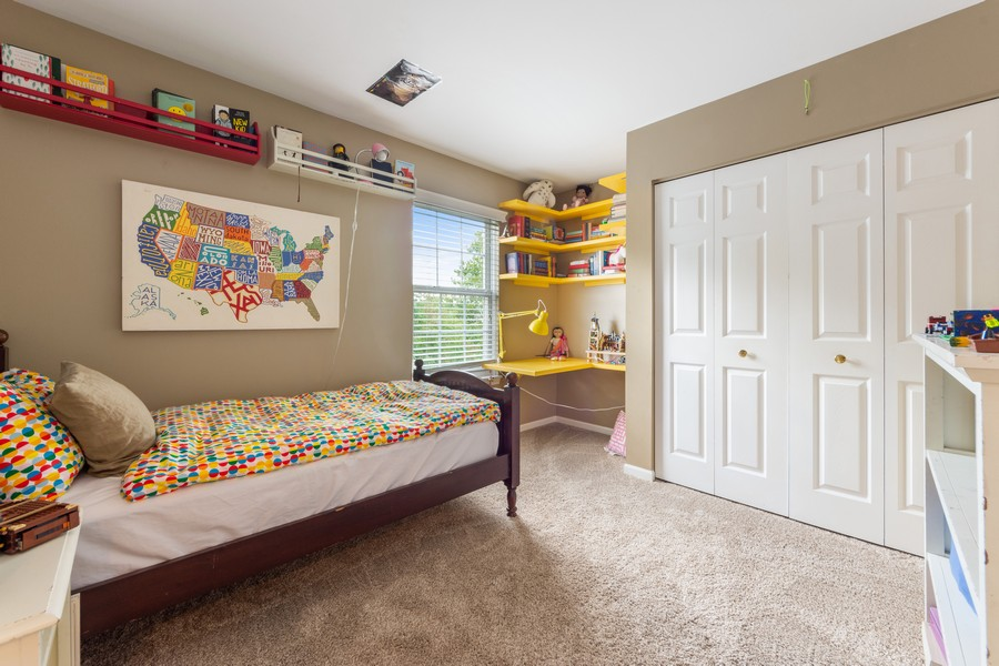 Real Estate Photography - 211 Buckingham Ct, Grayslake, IL, 60048 - 2nd Bedroom