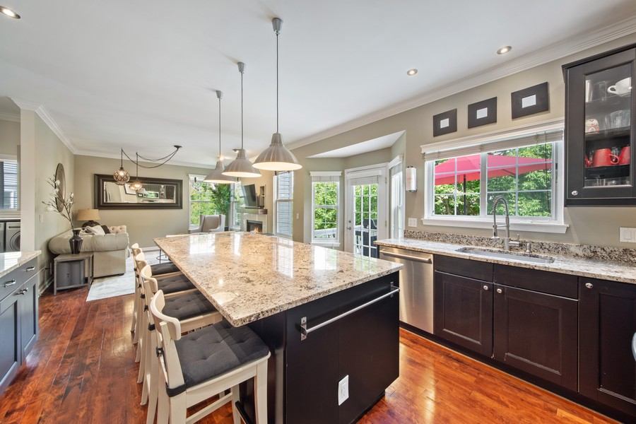 Real Estate Photography - 211 Buckingham Ct, Grayslake, IL, 60048 - Kitchen