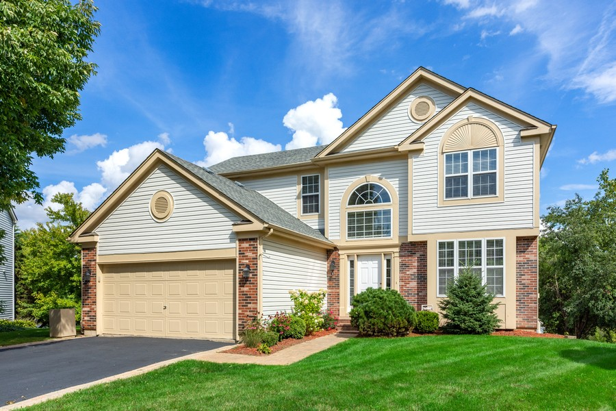 Real Estate Photography - 211 Buckingham Ct, Grayslake, IL, 60048 - Front View