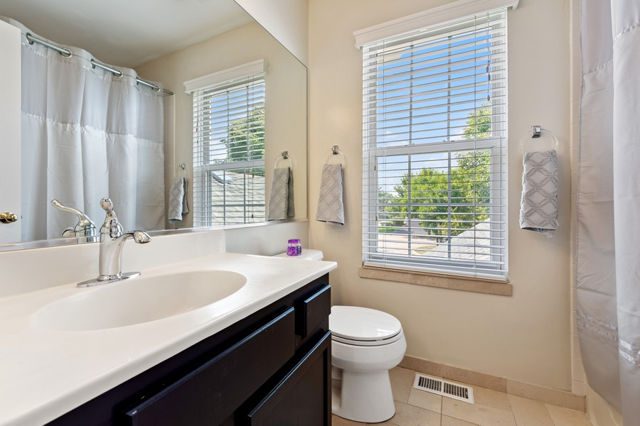 Real Estate Photography - 211 Buckingham Ct, Grayslake, IL, 60048 - 2nd Bathroom
