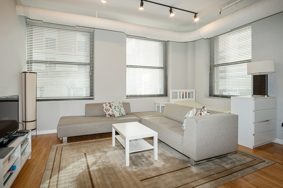 Real Estate Photography - 6 E Monroe, 602, Chicago, IL, 60603 - Living Room