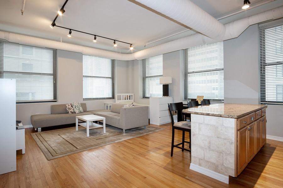 Real Estate Photography - 6 E Monroe, 602, Chicago, IL, 60603 -