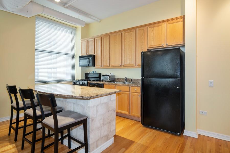 Real Estate Photography - 6 E Monroe, 602, Chicago, IL, 60603 - Kitchen
