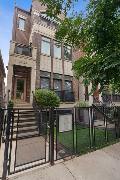 Real Estate Photography - 1505 W. Walton, #3, Chicago, IL, 60622 - Front View