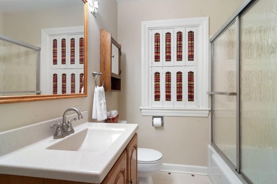 Real Estate Photography - 713 N Hickory, Arlington Heights, IL, 60004 - Bathroom