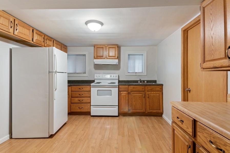 Real Estate Photography - 7515 N Claremont Ave, Chicago, IL, 60645 - Garden Unit Kitchen