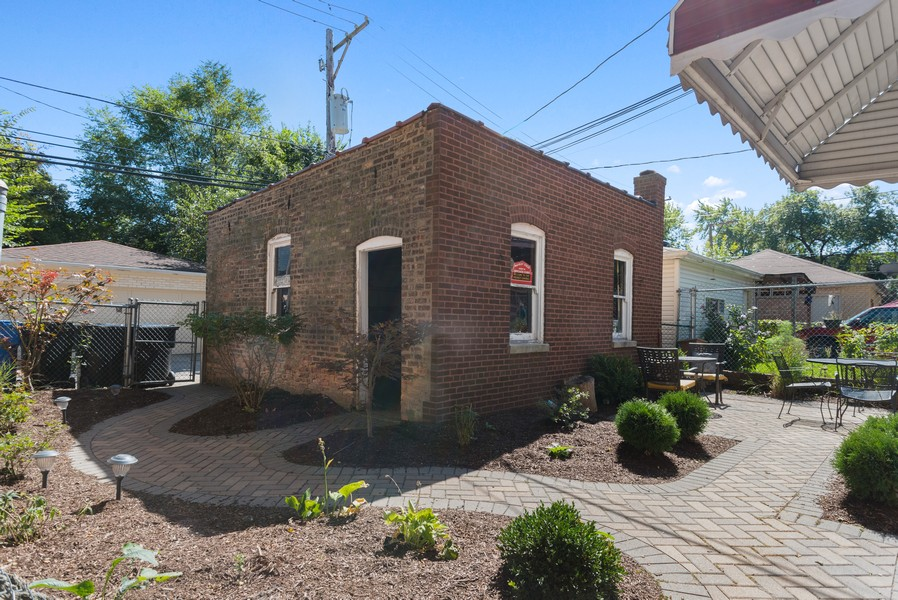 Real Estate Photography - 7515 N Claremont Ave, Chicago, IL, 60645 - Back Yard