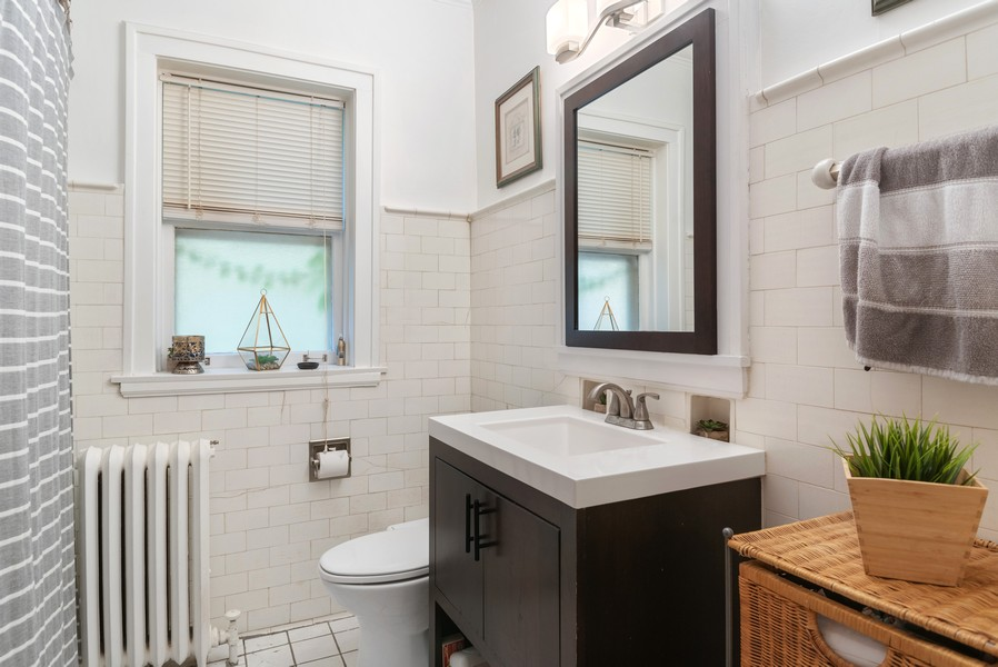 Real Estate Photography - 7515 N Claremont Ave, Chicago, IL, 60645 - Unit 1 Bathroom