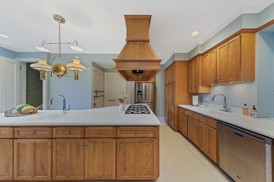 Real Estate Photography - 321 North Delaplaine Road, Riverside, IL, 60546 - Kitchen
