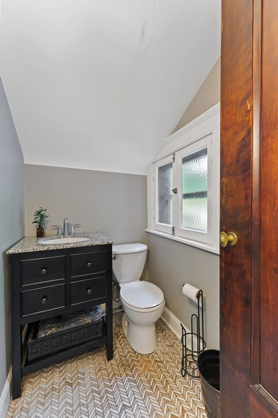 Real Estate Photography - 321 North Delaplaine Road, Riverside, IL, 60546 - Powder Room
