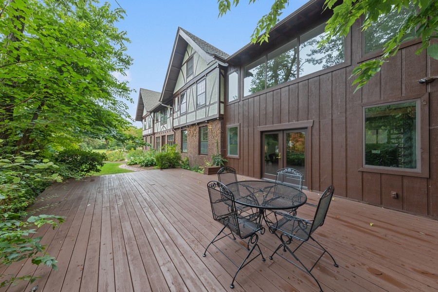Real Estate Photography - 321 North Delaplaine Road, Riverside, IL, 60546 - Deck