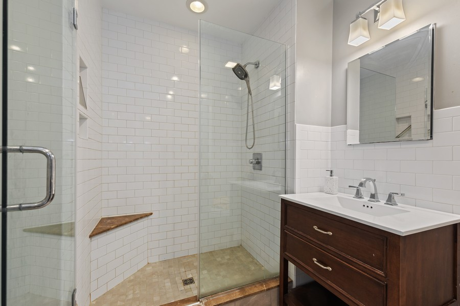 Real Estate Photography - 321 North Delaplaine Road, Riverside, IL, 60546 - Bathroom