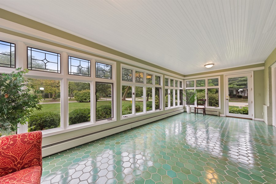 Real Estate Photography - 321 North Delaplaine Road, Riverside, IL, 60546 - Sun Room