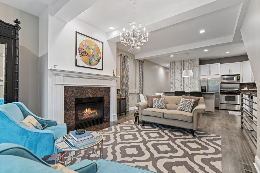 Real Estate Photography - 906 N Hermitage, Unit 1, Chicago, IL, 60642 - Living Room