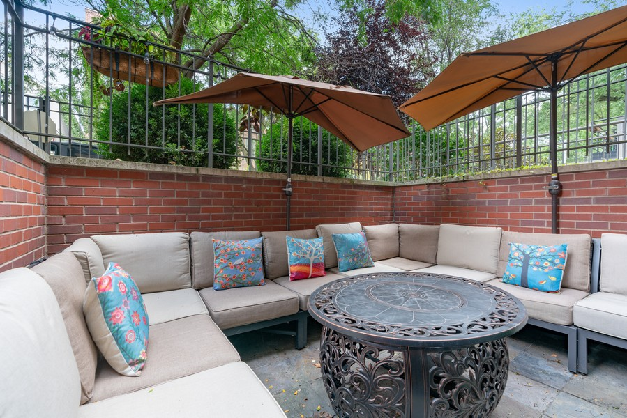 Real Estate Photography - 906 N Hermitage, Unit 1, Chicago, IL, 60642 - Patio