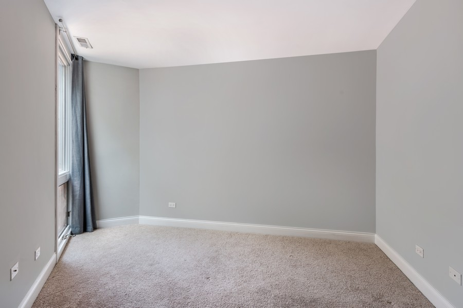 Real Estate Photography - 2140 N Lincoln Ave, 5305, Chicago, IL, 60614 - Bedroom