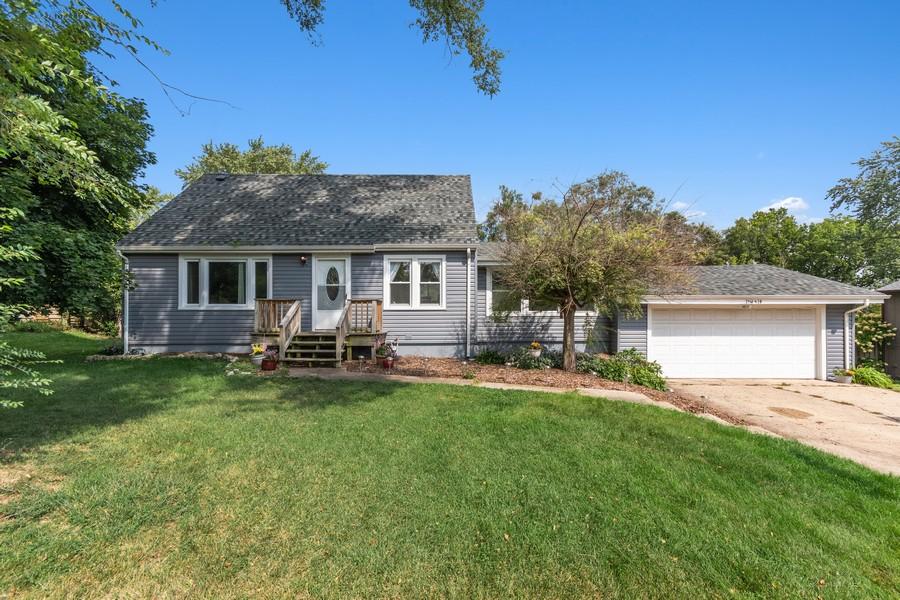 Real Estate Photography - 23W528 Burdette Avenue, Carol Stream, IL, 60188 - Front View