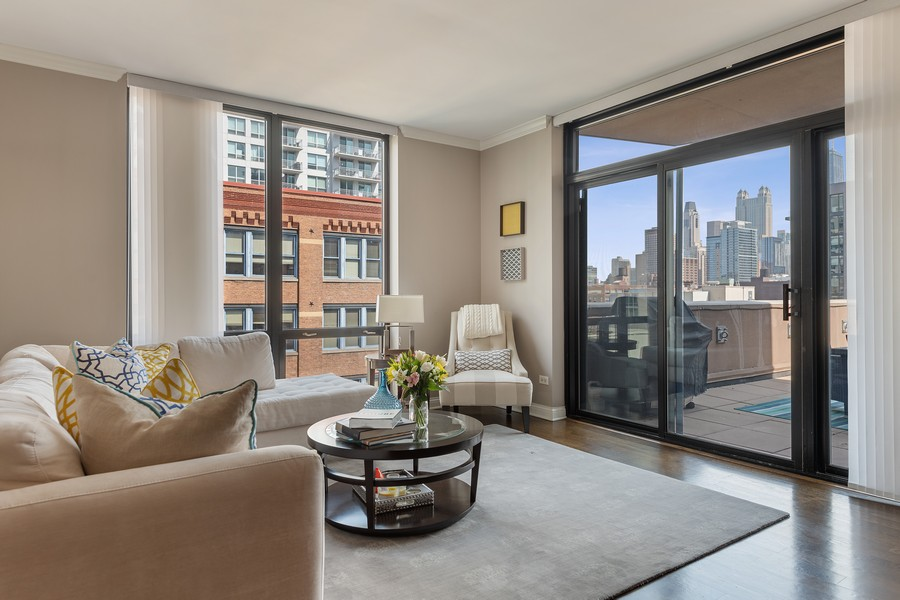Real Estate Photography - 435 W. Erie St., 702, Chicago, IL, 60654 - Living Room