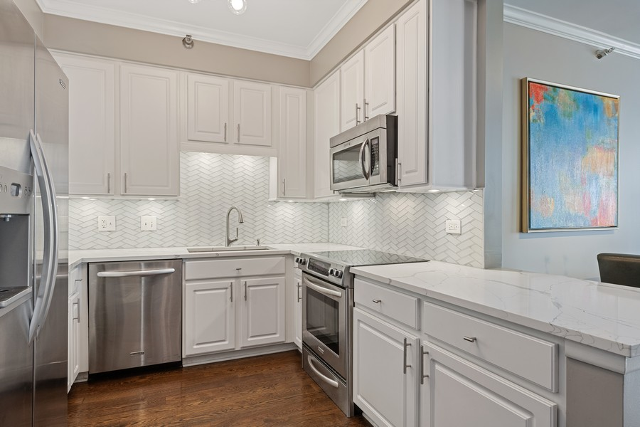 Real Estate Photography - 435 W. Erie St., 702, Chicago, IL, 60654 - Kitchen