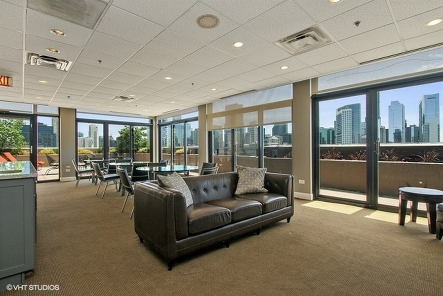Real Estate Photography - 435 W. Erie St., 702, Chicago, IL, 60654 -