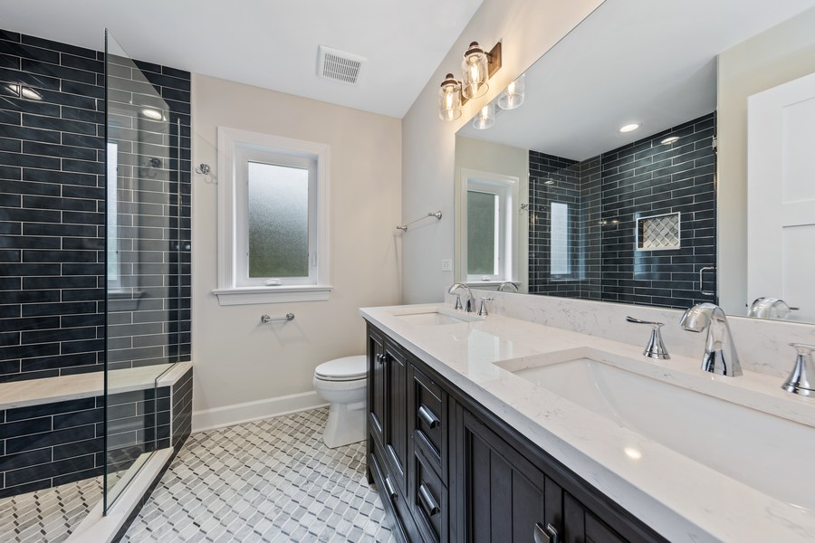 Real Estate Photography - 474 Uvedale Court, Riverside, IL, 60546 - Master Bathroom
