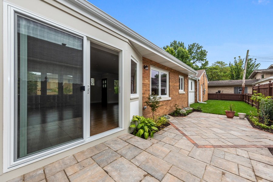 Real Estate Photography - 474 Uvedale Court, Riverside, IL, 60546 - Patio