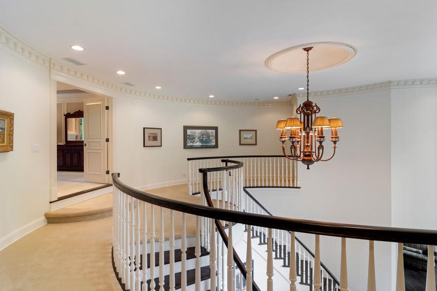 Real Estate Photography - 4 Kensington Drive, North Barrington, IL, 60010 - 2nd Floor Foyer