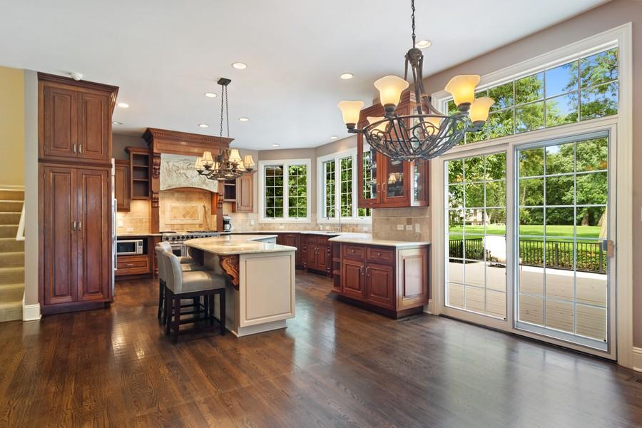 Real Estate Photography - 4 Kensington Drive, North Barrington, IL, 60010 - Kitchen/Breakfast Area