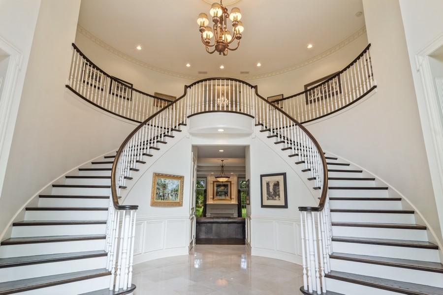 Real Estate Photography - 4 Kensington Drive, North Barrington, IL, 60010 - Foyer