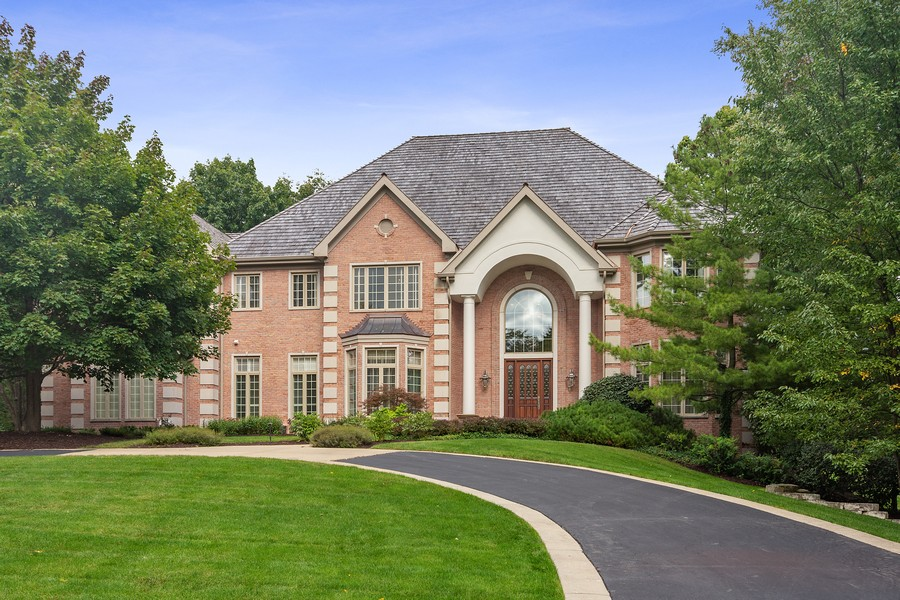Real Estate Photography - 4 Kensington Drive, North Barrington, IL, 60010 - Front Exterior