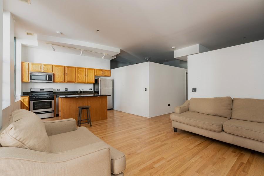 Real Estate Photography - 208 W Washington, Unit 1113, Chicago, IL, 60606 - Living Room