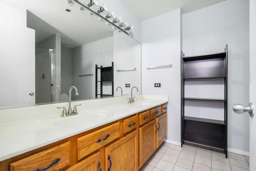 Real Estate Photography - 208 W Washington, Unit 1113, Chicago, IL, 60606 - Master Bathroom