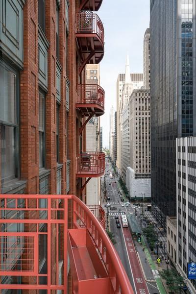 Real Estate Photography - 208 W Washington, Unit 1113, Chicago, IL, 60606 - Balcony