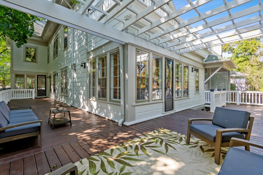Real Estate Photography - 1625 Judson Ave, Evanston, IL, 60201 - Deck