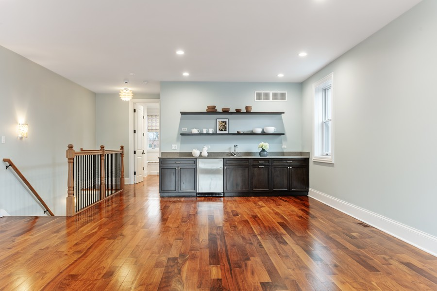 Real Estate Photography - 1460 W Byron St, Chicago, IL, 60613 - Family Room