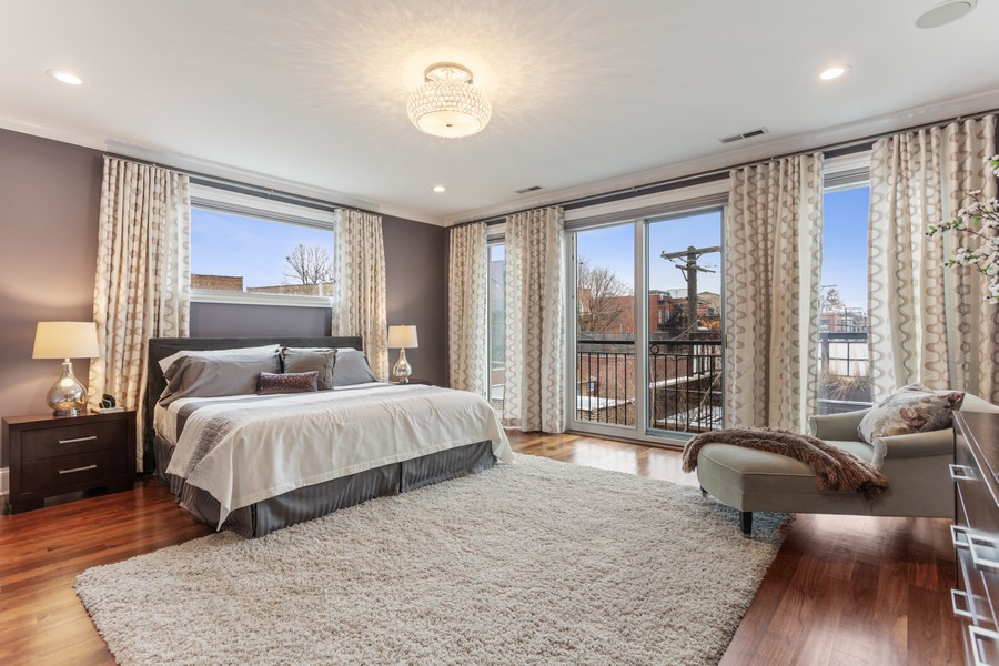 Real Estate Photography - 1460 W Byron St, Chicago, IL, 60613 - Master Bedroom