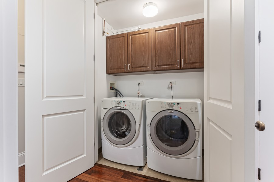 Real Estate Photography - 1460 W Byron St, Chicago, IL, 60613 - Laundry - Second Floor