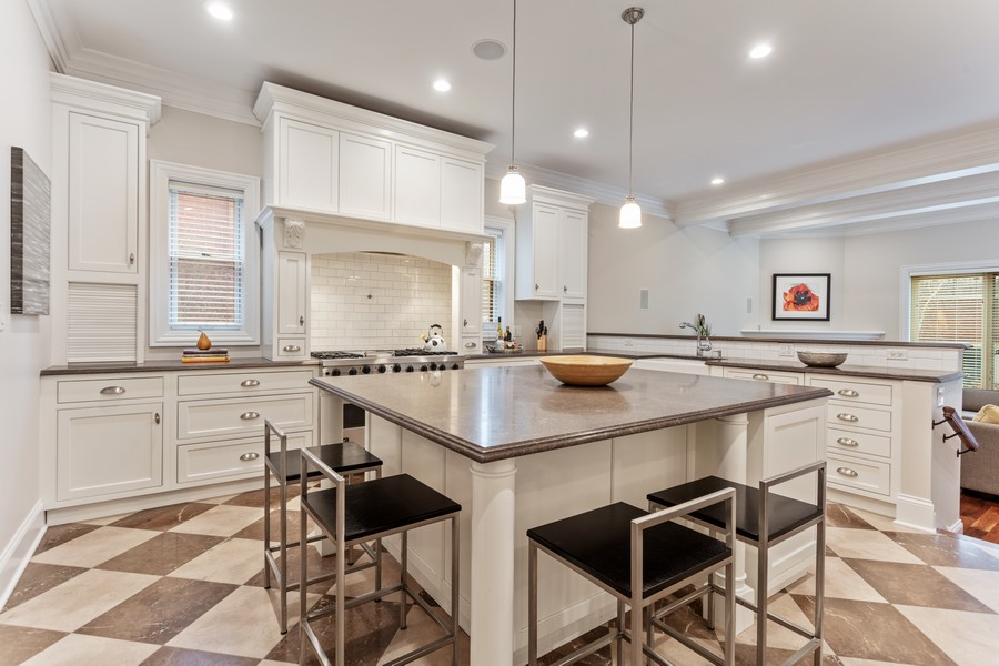 Real Estate Photography - 1460 W Byron St, Chicago, IL, 60613 - Kitchen