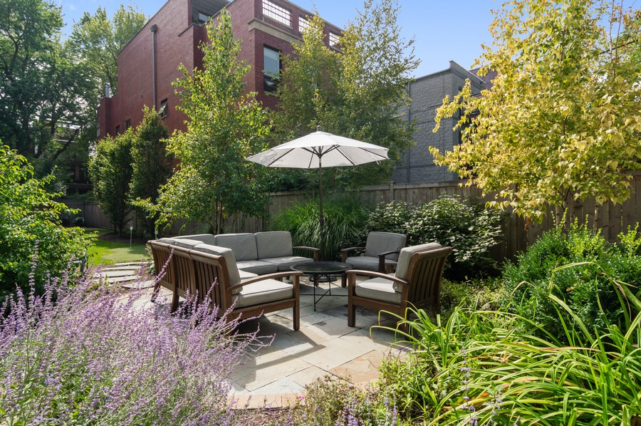 Real Estate Photography - 1460 W Byron St, Chicago, IL, 60613 - Patio