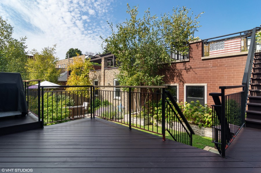 Real Estate Photography - 1460 W Byron St, Chicago, IL, 60613 - Back Deck