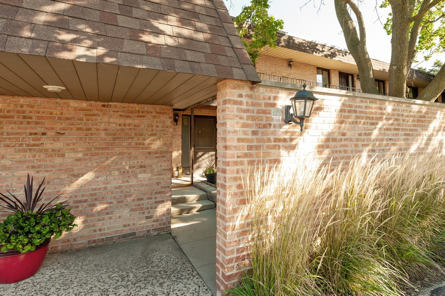 Real Estate Photography - 520 E Main St, Unit 2B, Barrington, IL, 60010 - Front View