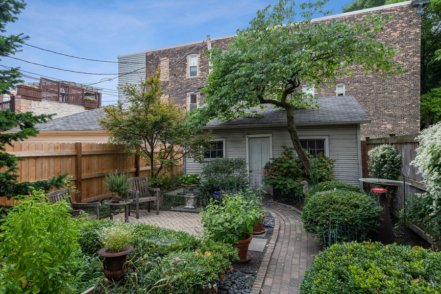 Real Estate Photography - 1255 W Webster, Chicago, IL, 60614 - Back Yard