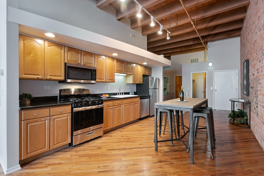 Real Estate Photography - 616 W Fulton, Chicago, IL, 60661 - Kitchen / Breakfast Room