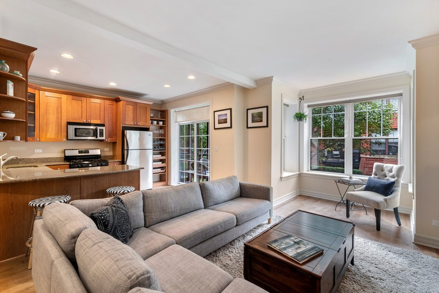 Real Estate Photography - 2711 Mildred Ave, #1B, Chicago, IL, 60614 - Living Room
