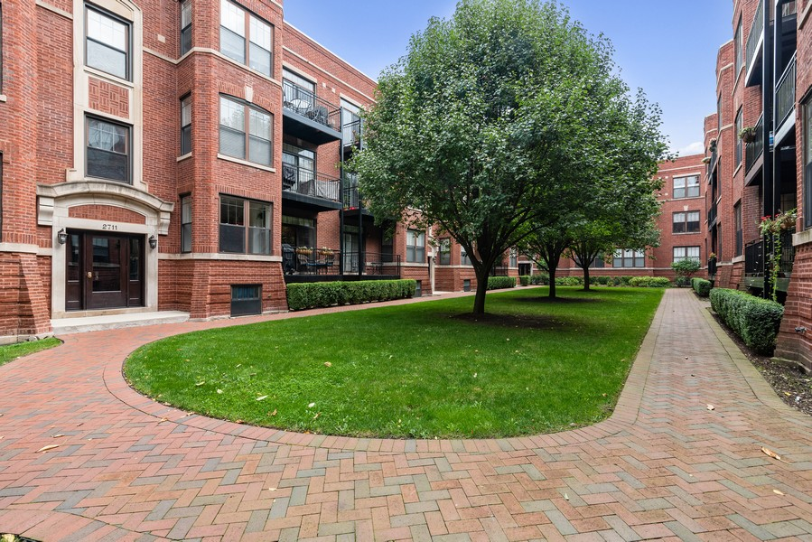 Real Estate Photography - 2711 Mildred Ave, #1B, Chicago, IL, 60614 - Front View