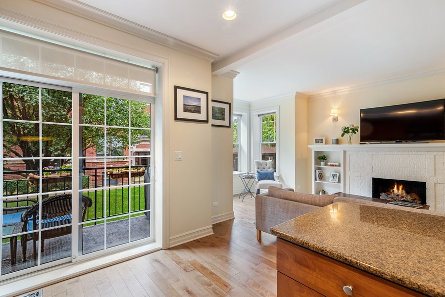 Real Estate Photography - 2711 Mildred Ave, #1B, Chicago, IL, 60614 - Kitchen / Living Room