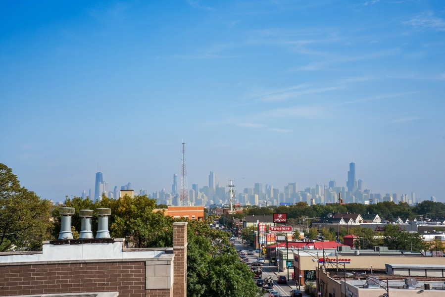 Real Estate Photography - 3721 N Elston Ave, Unit 4S, Chicago, IL, 60618 - City View